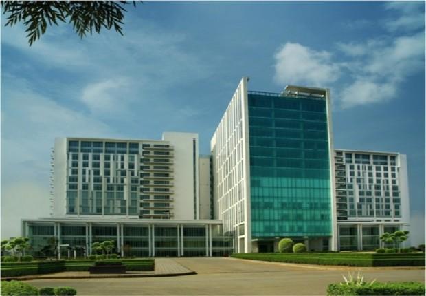 Best cancer/transplant/spine hospital in India